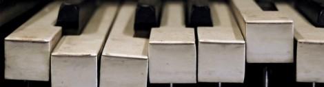 cropped-broken-piano-keys