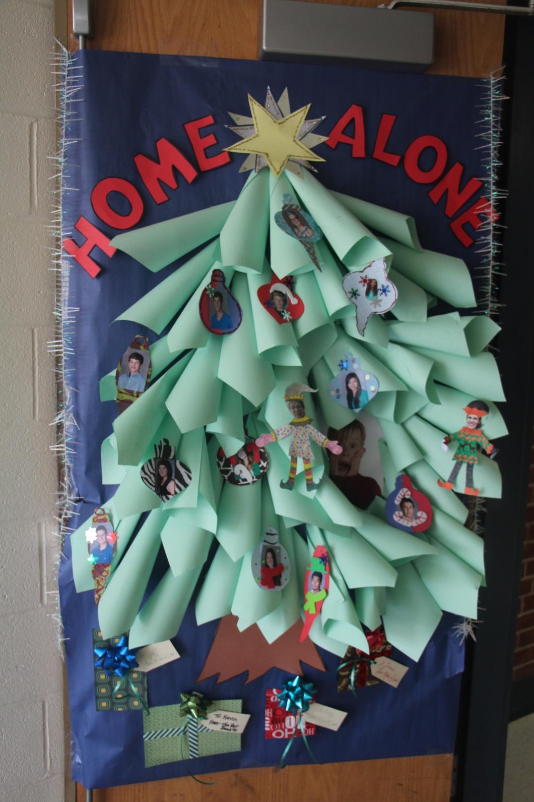 christmas door decorations hippo. Black Bedroom Furniture Sets. Home Design Ideas